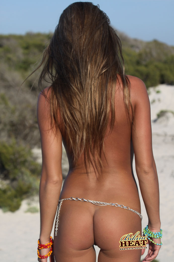 Petite-Shaved-Tanned-Teen-Totally-Shaved-Nudist-Veronika-Fasterova-Wearing-Bikini-1