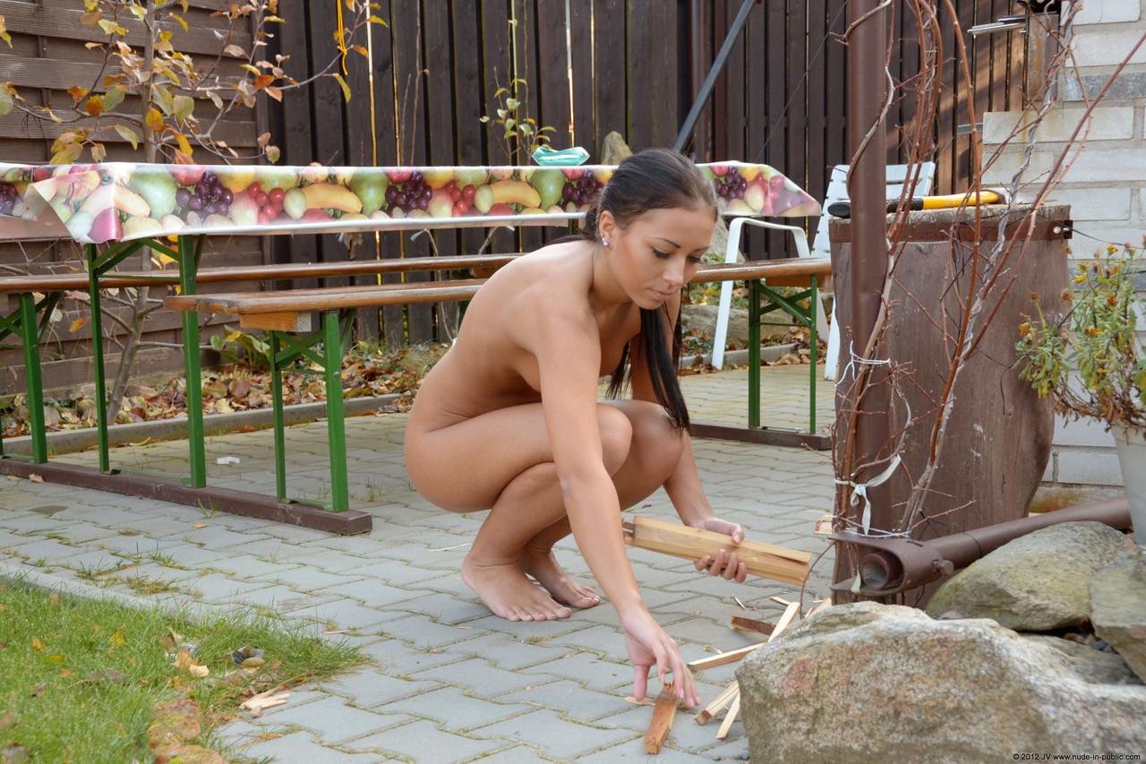 nakedmen and women having sex